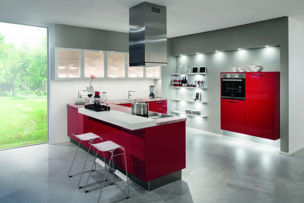 Moderne Küche in Rot