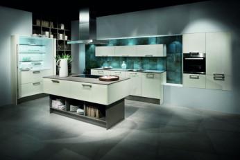 Licht-Inszenierung einer modernen Küche