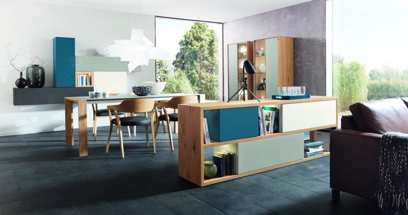 Modernes Wohnzimmer & Esszimmer, designed by WÖSTMANN