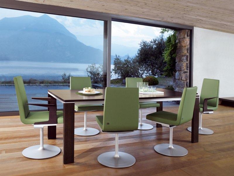 ROLF BENZ bietet moderne Möbel mit Charakter