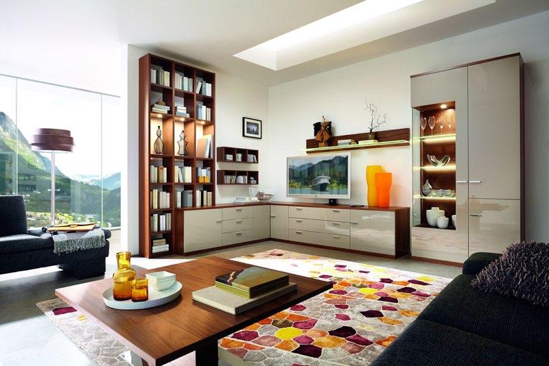 eine wohnwand kann um die ecke verlaufen. Black Bedroom Furniture Sets. Home Design Ideas