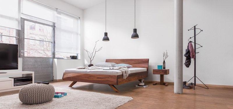 Modernes Massivholz-Bett von dormiente