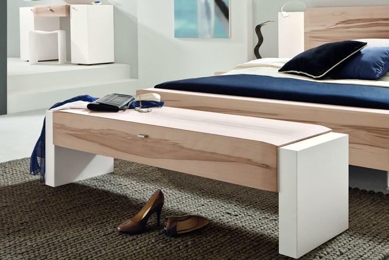 sitzbank schafft stauraum. Black Bedroom Furniture Sets. Home Design Ideas