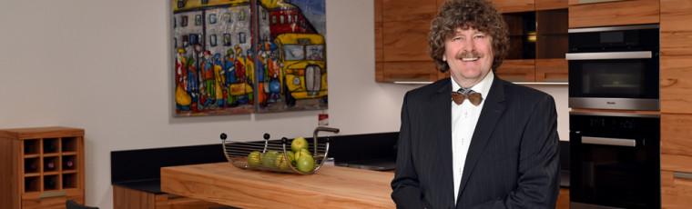 Einrichtungs-Profi Matthias Wurster ist Ihr zuverlässiger Partner und Berater!